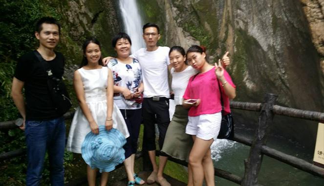 巫溪亿联全体员工夏游中国亢谷风景区